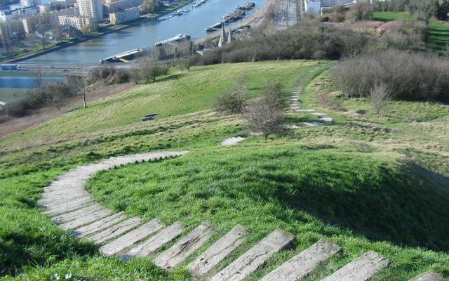 Csc escalier 2004 640x400
